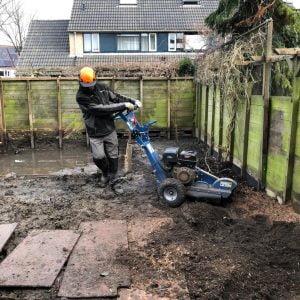 Stronken verwijderen en grond afgraven